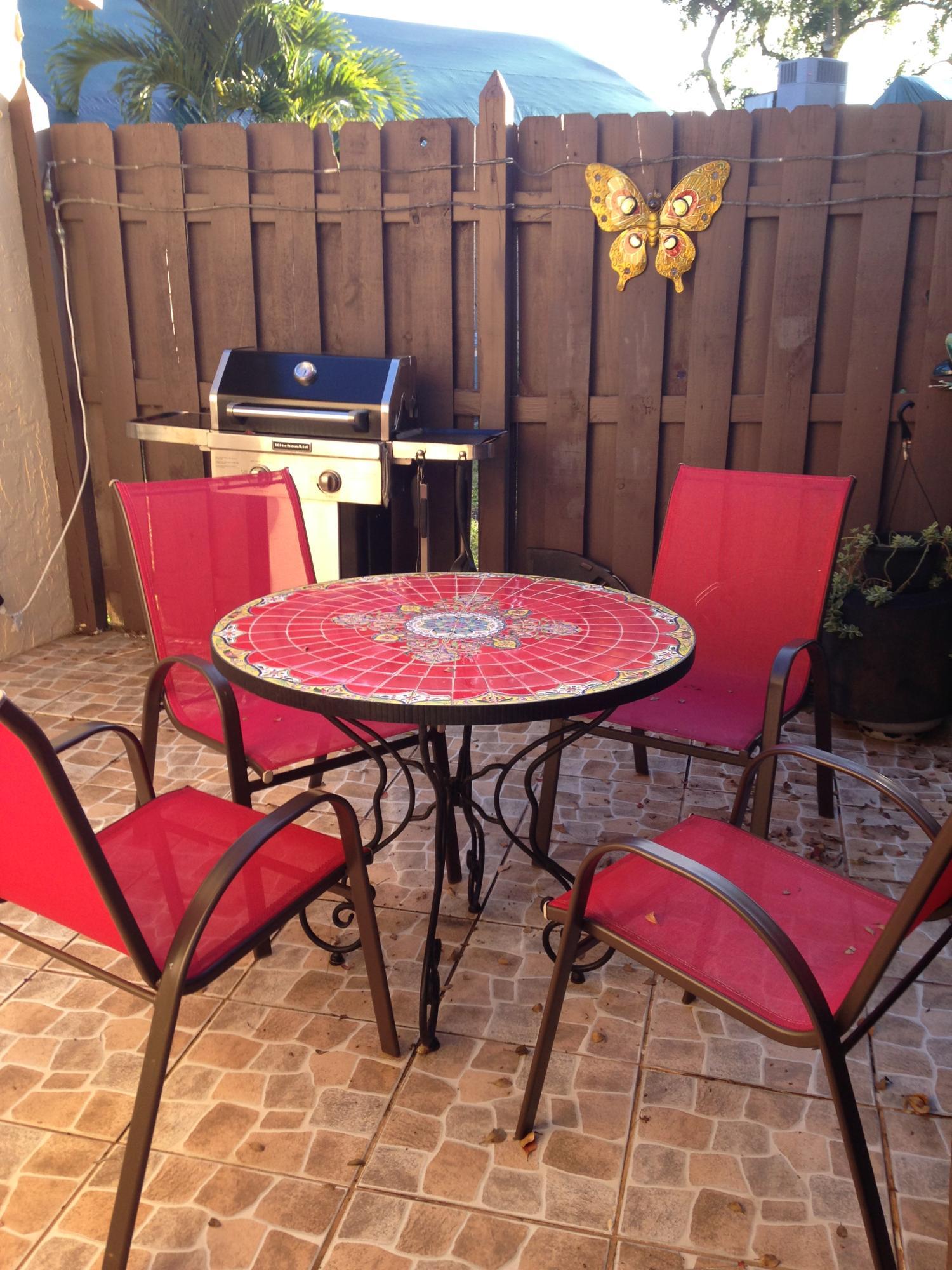 303 Briarwood Circle, Hollywood, FL 33024
