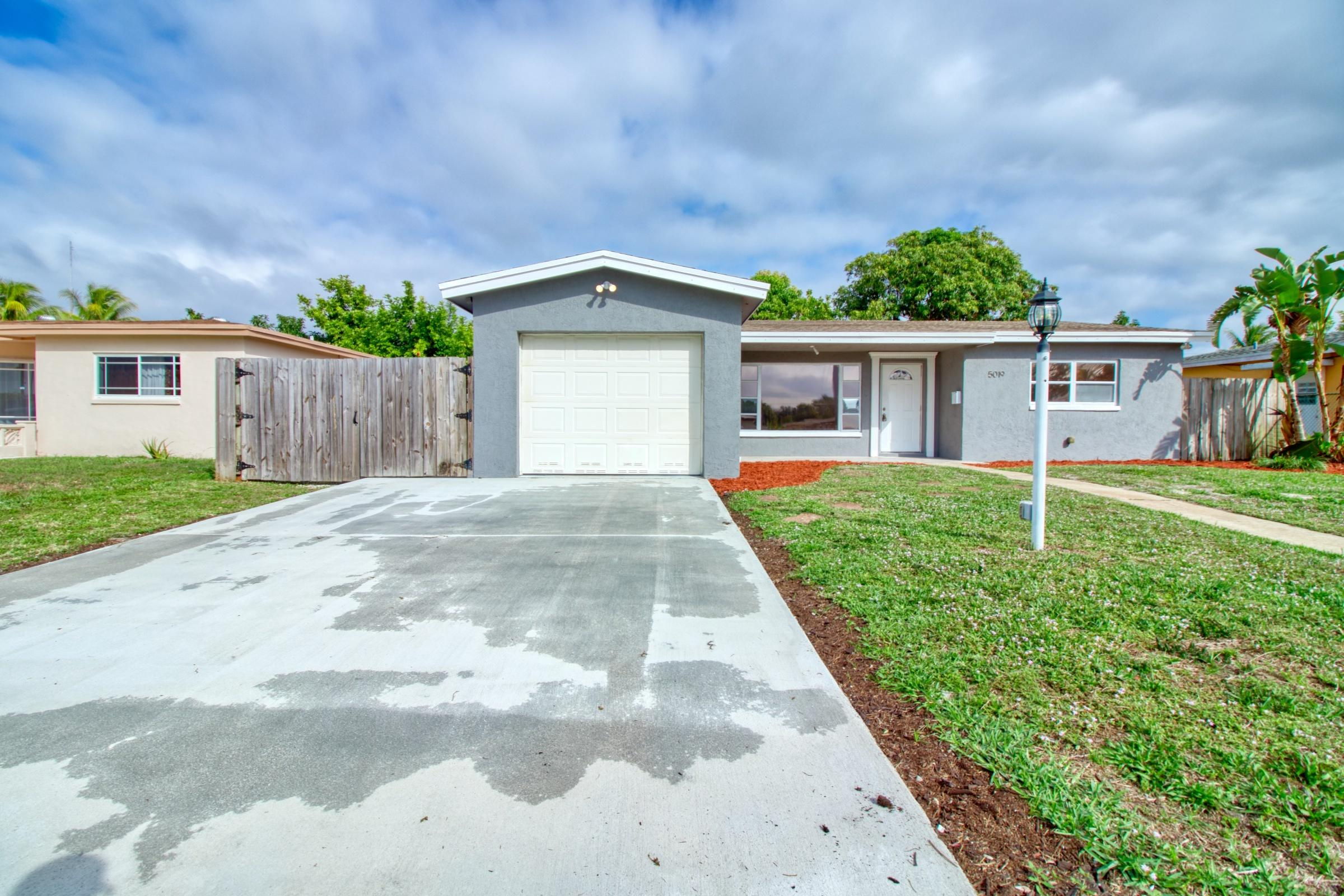5019 Nw 41st Court, Lauderdale Lakes, FL 33319