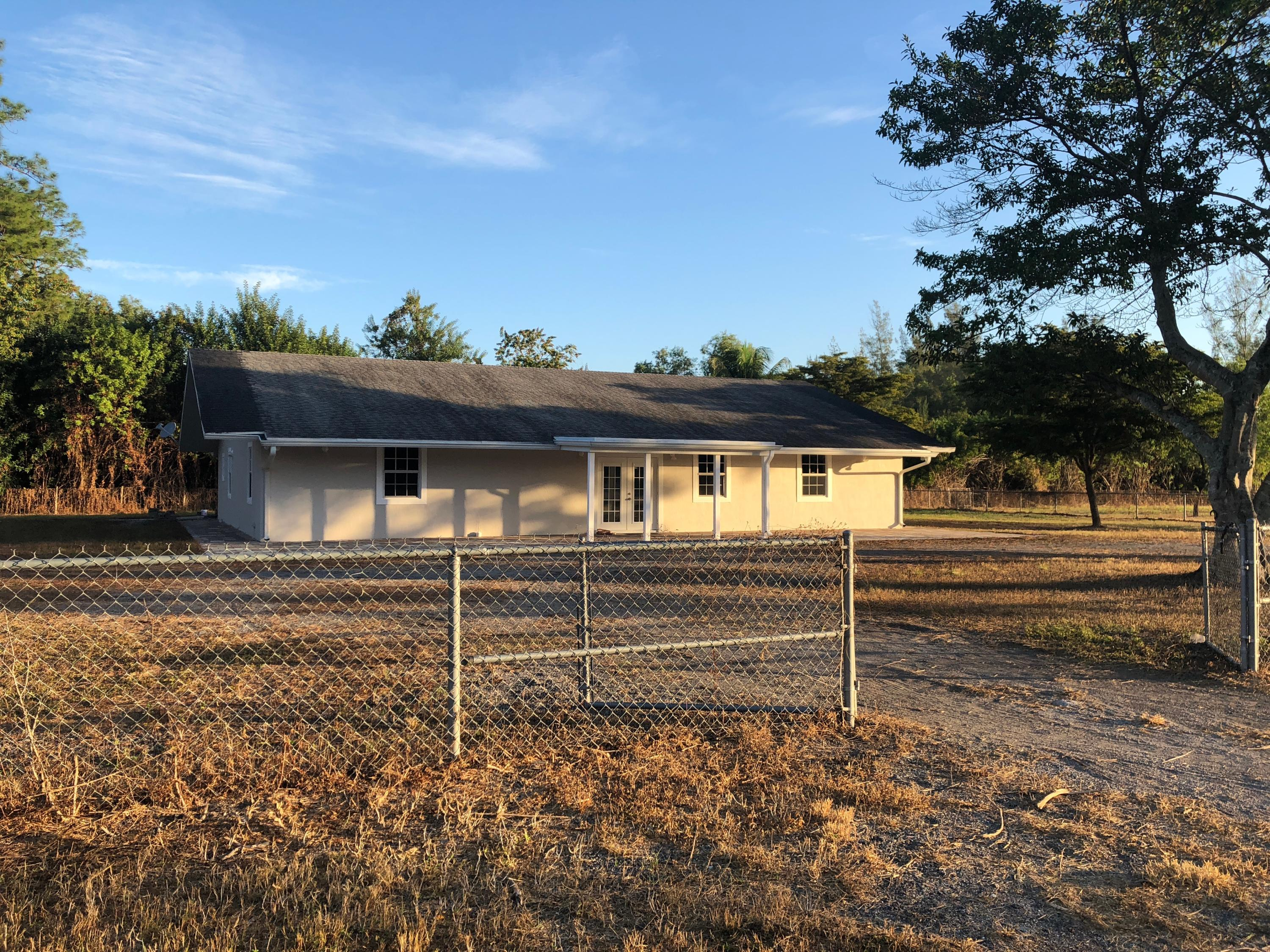 2221 F Road, Loxahatchee Groves, FL 33470