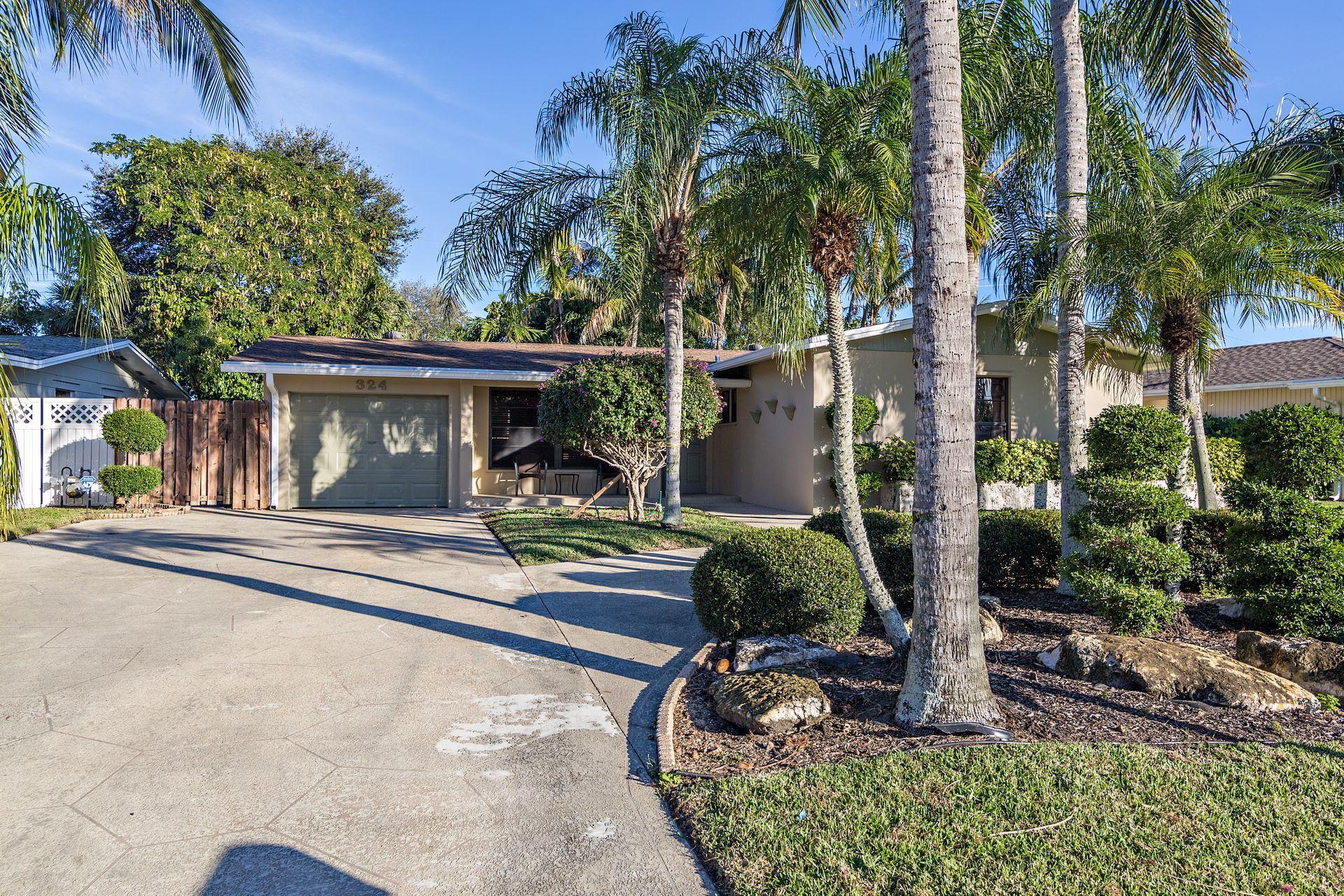 324 Azalea Street, Palm Beach Gardens, FL 33410