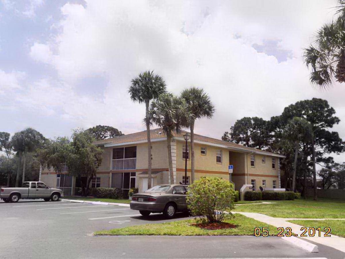 1544 Se Royal Green Circle, Port Saint Lucie, FL 34952