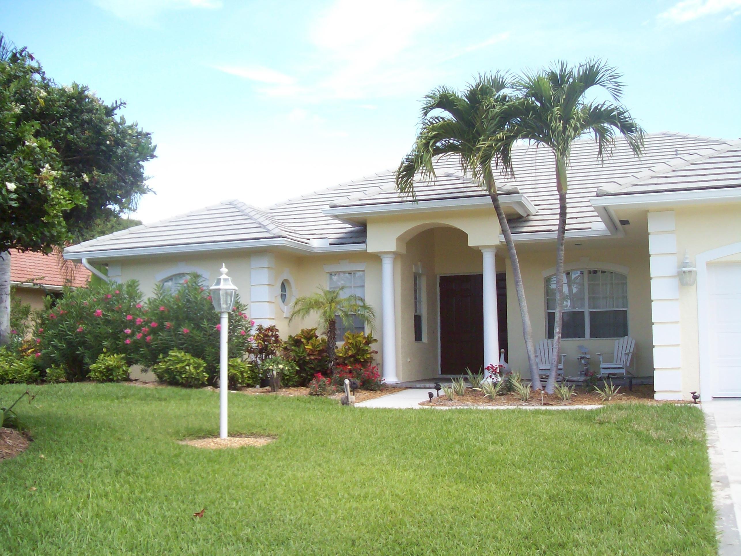8445 Se Woodcrest Place, Hobe Sound, FL 33455