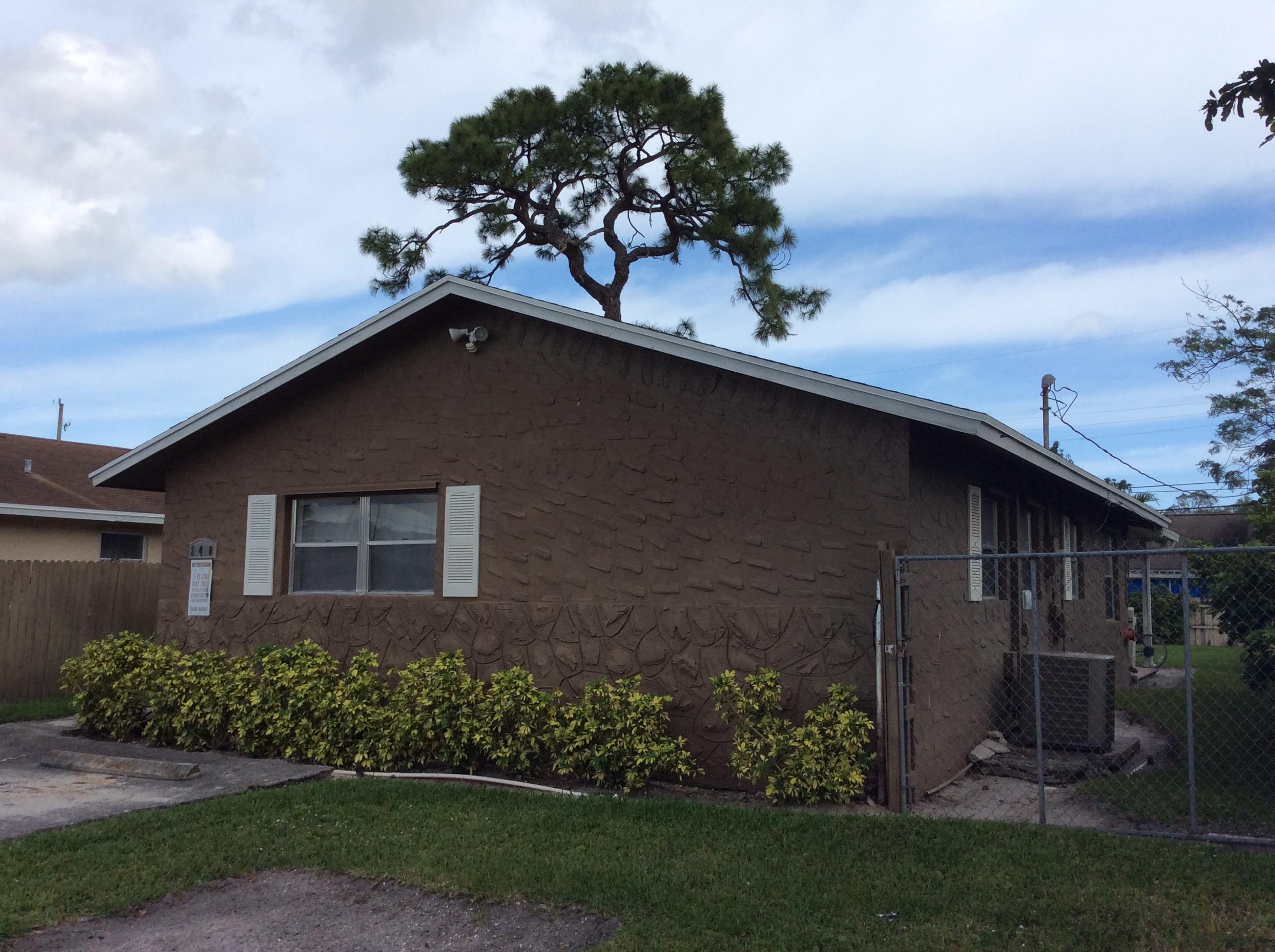 240 Fleming Avenue, Greenacres, FL 33463