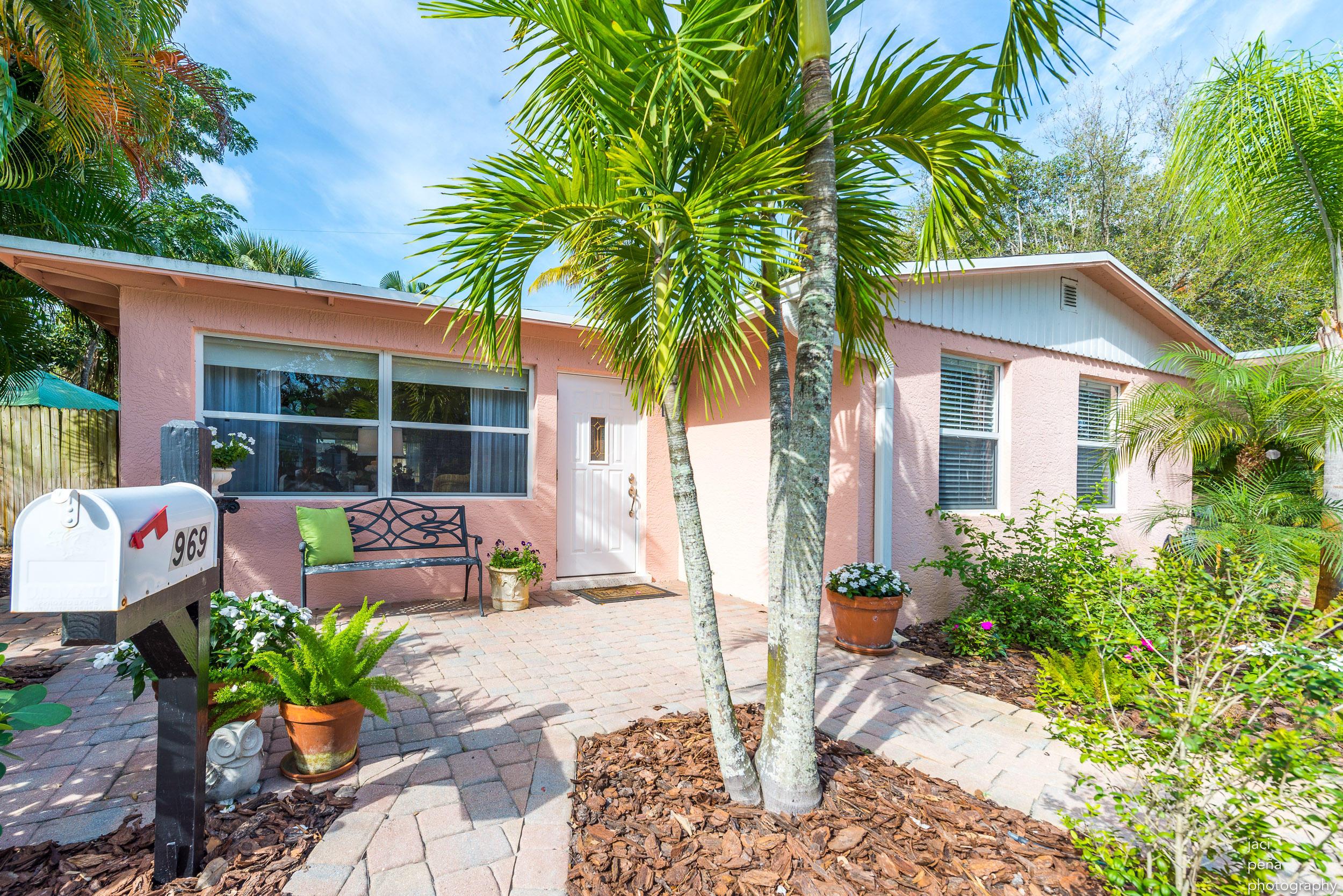 969 Ne Banyan Tree Drive, Jensen Beach, FL 34957