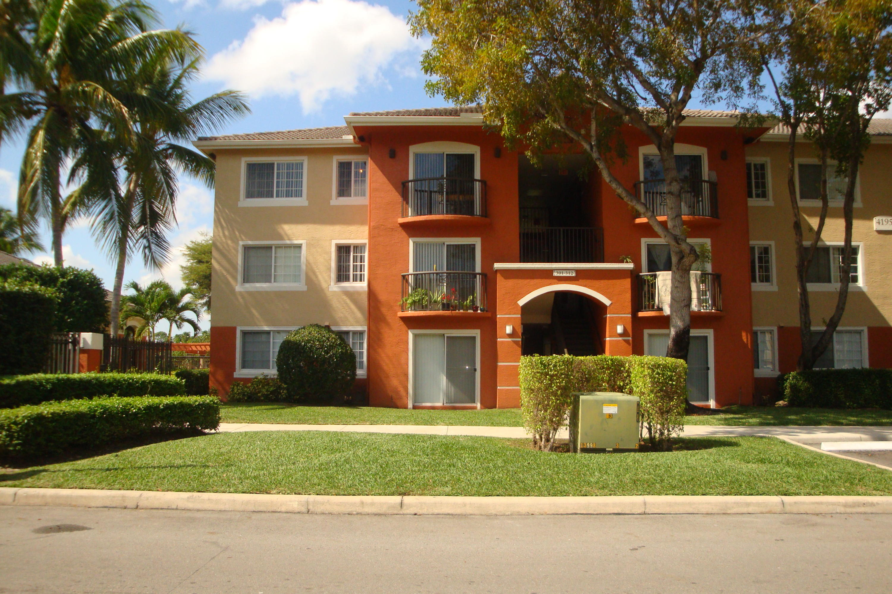 4195 N Haverhill Road, West Palm Beach, FL 33417