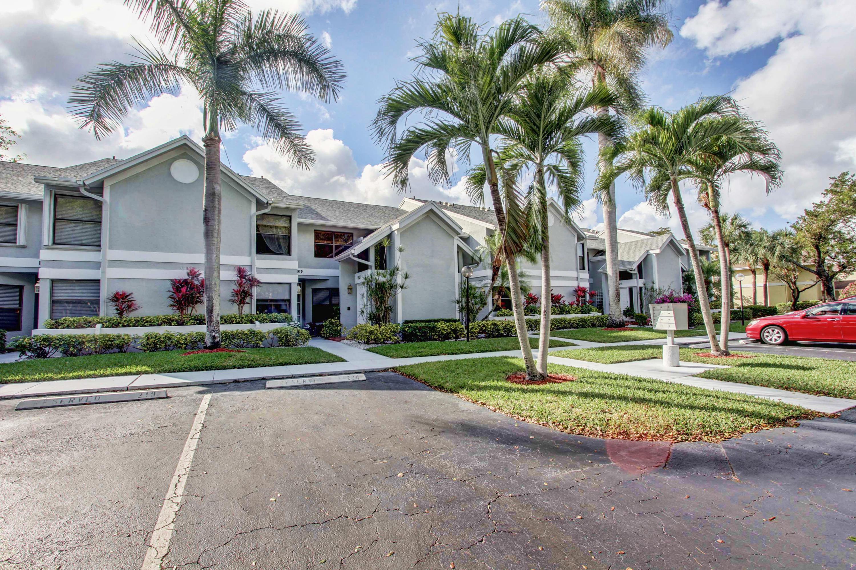 16817 Oak Hill Trail, Delray Beach, FL 33484