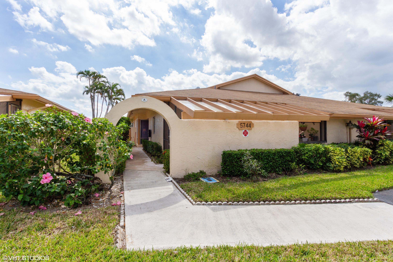 5744 Phoenix Palm Court, Delray Beach, FL 33484