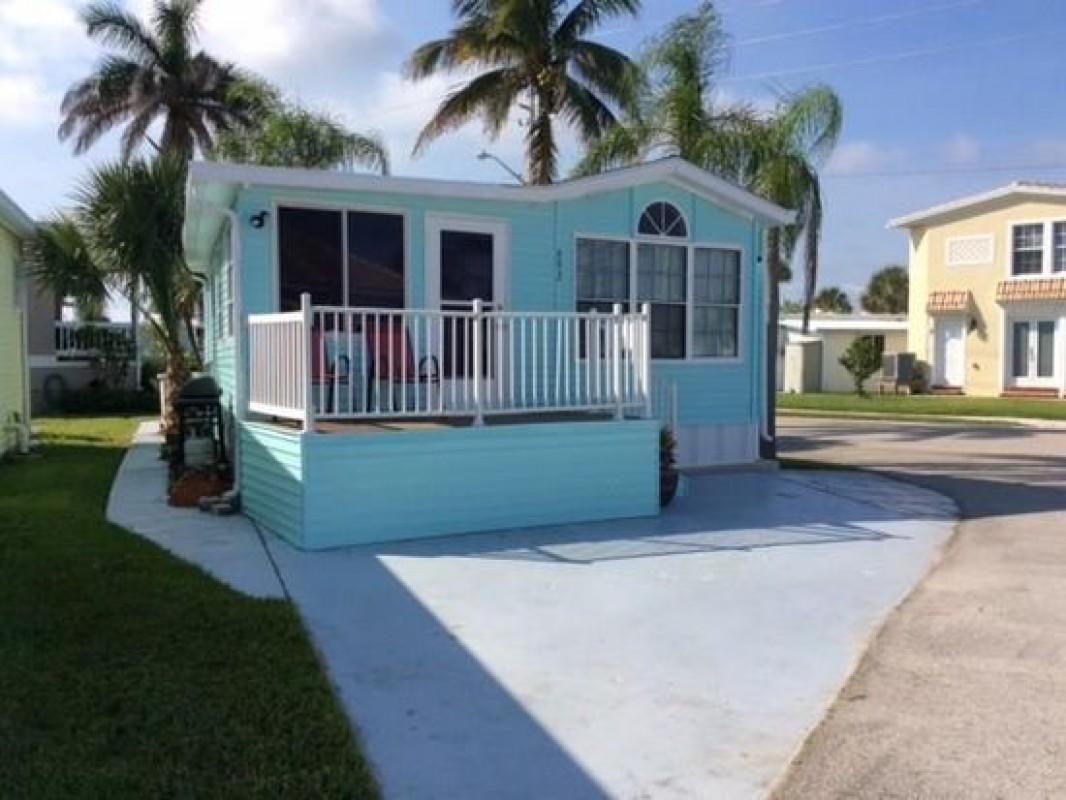 692 Nettles Boulevard, Jensen Beach, FL 34957