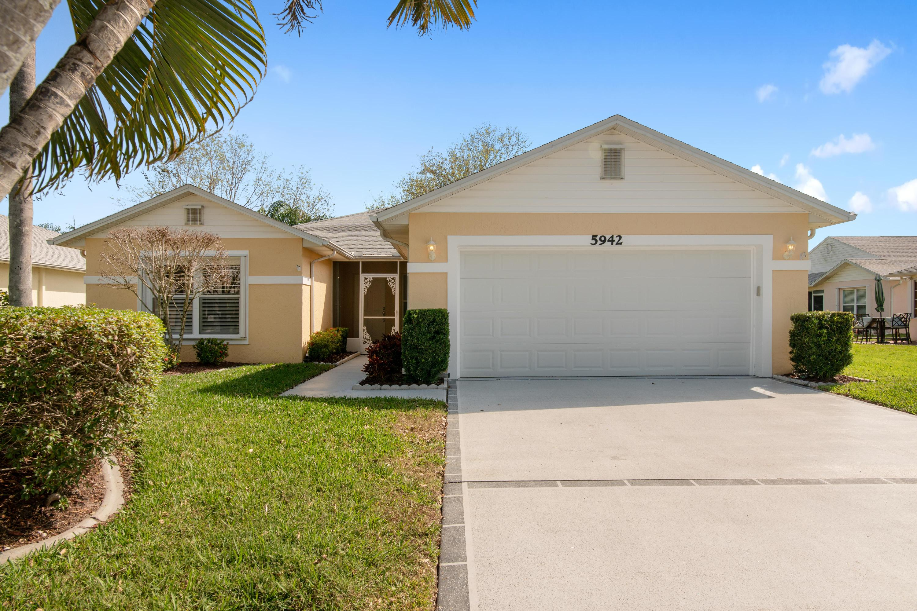 5942 N Alexandria Circle, Fort Pierce, FL 34982