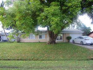 1041 Se Spinnaker Avenue, Port Saint Lucie, FL 34983