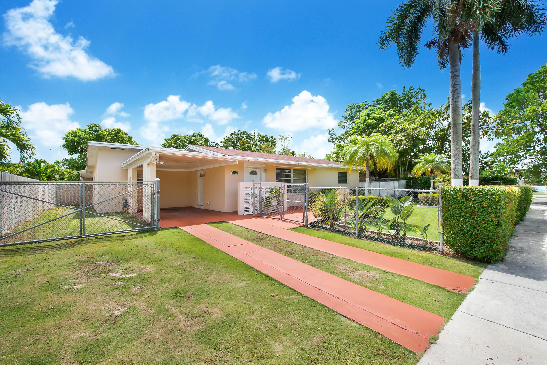 17861 Sw 112th Place, Miami, FL 33157
