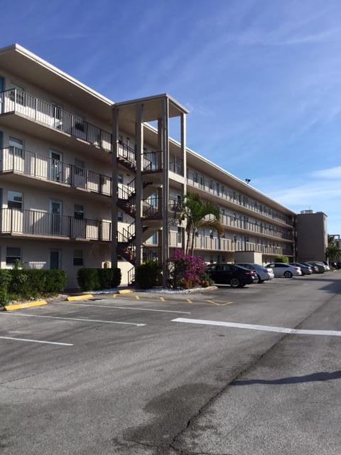 725 Lori Drive, Palm Springs, FL 33461