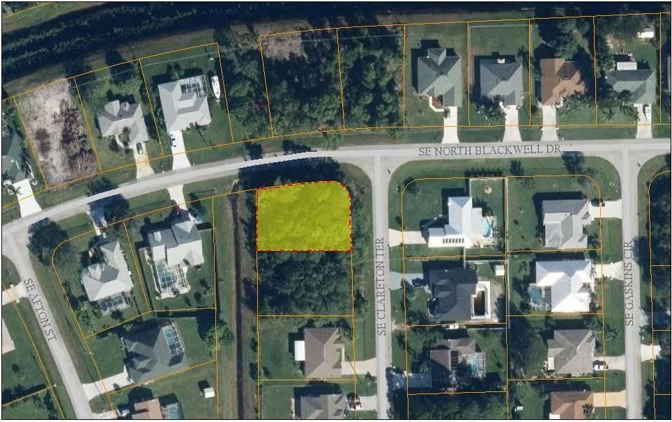 1562 Se North Blackwell Drive, Port Saint Lucie, FL 34952