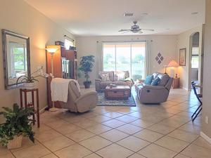 569 Nw Waverly Circle, Port Saint Lucie, FL 34983
