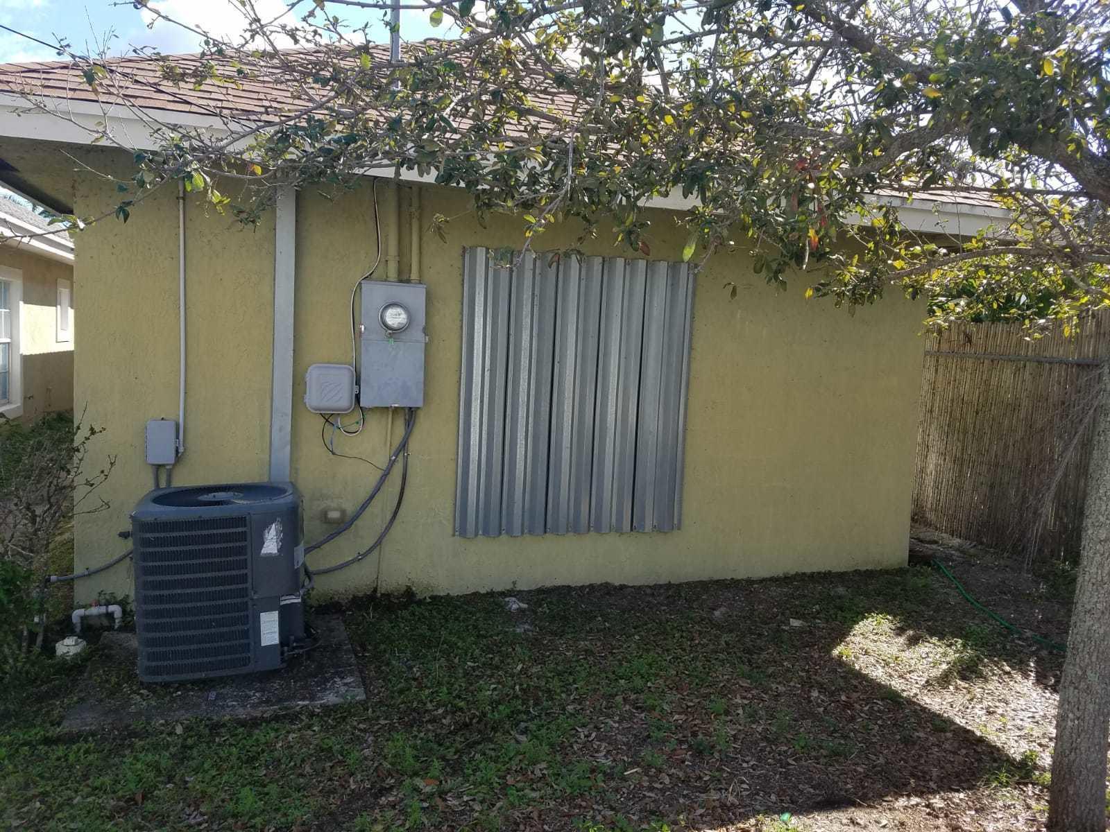 323 S F Street, Lake Worth, FL 33460