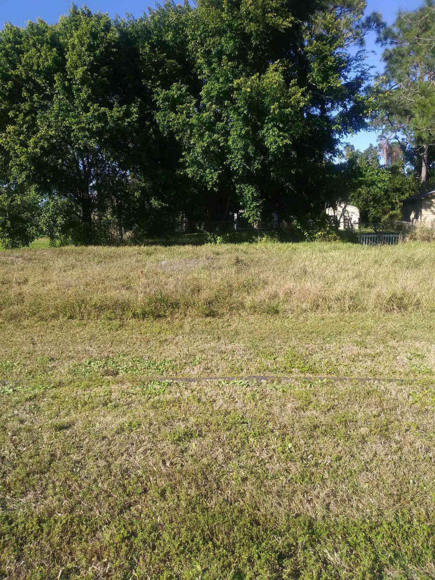 1533 Sw Jacksonville Avenue, Port Saint Lucie, FL 34953