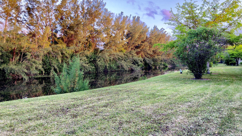 100 Lake Meryl Drive, West Palm Beach, FL 33411