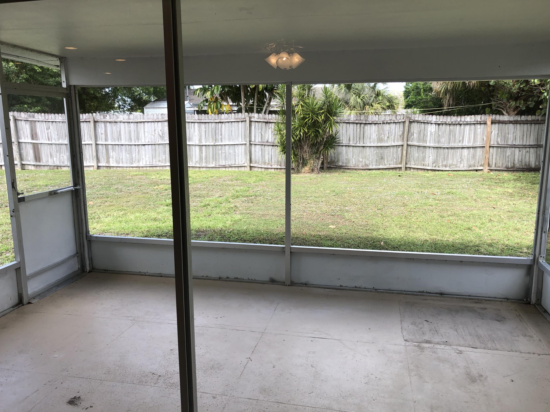 179 Se Placita Court, Port Saint Lucie, FL 34983