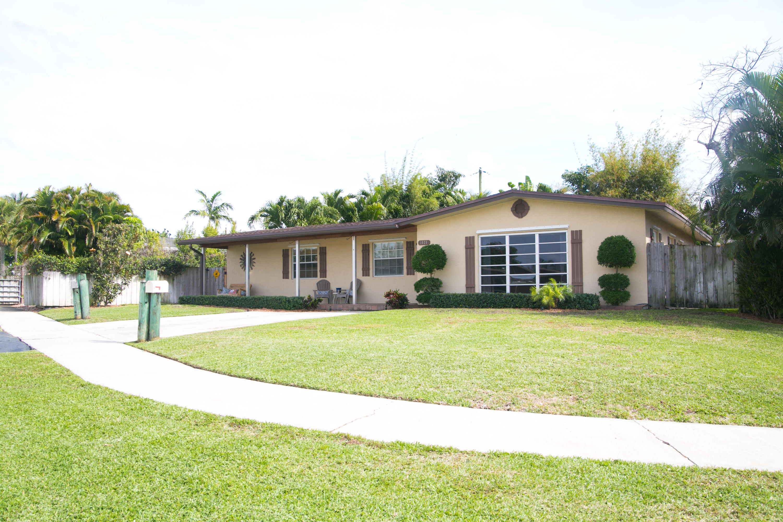1020 W Drew Street, Lantana, FL 33462