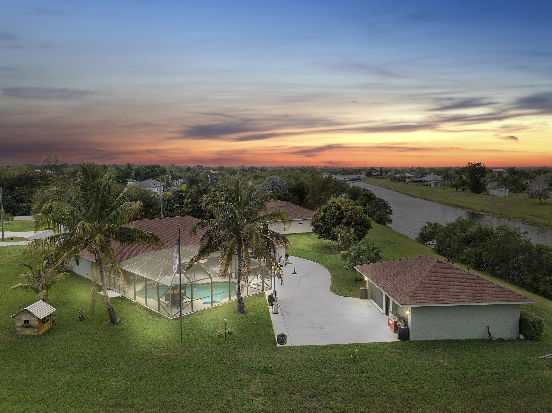 198 Sw Nina Court, Port Saint Lucie, FL 34953