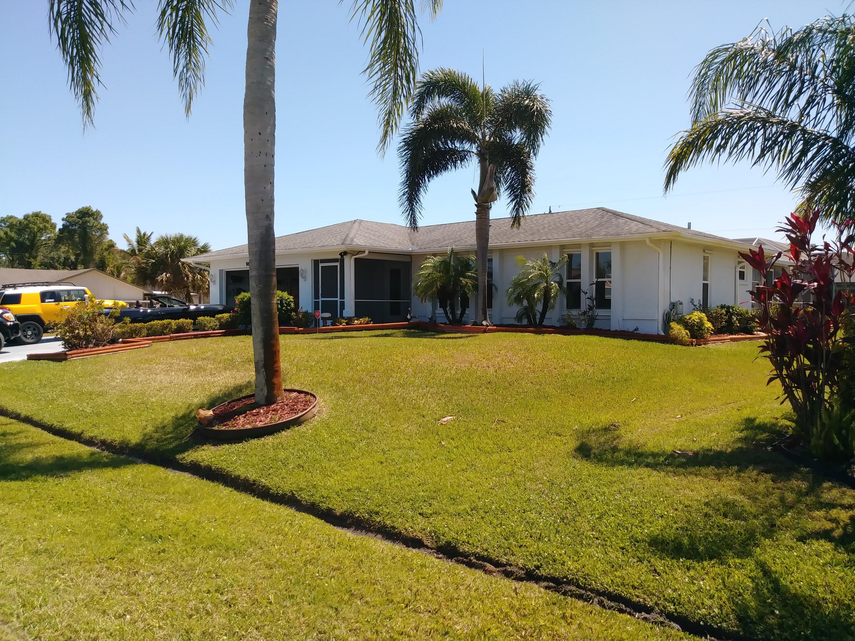 980 Se Breakwater Avenue, Port Saint Lucie, FL 34953
