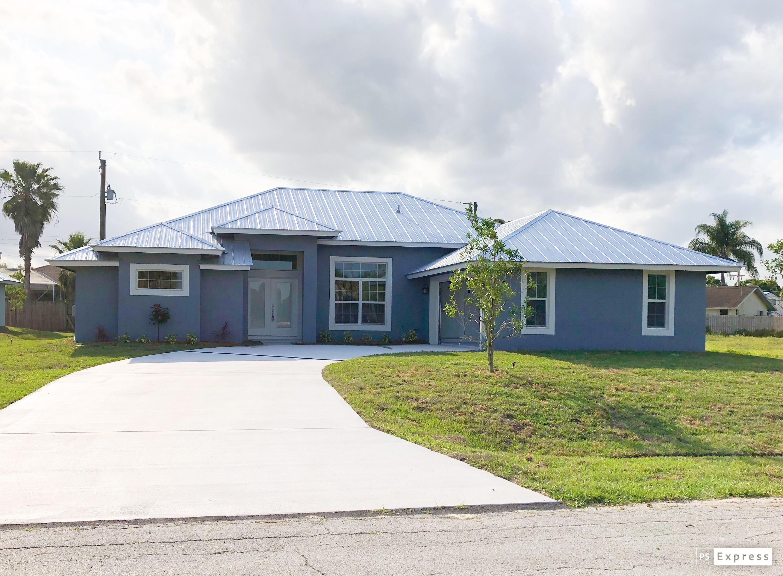 716 Sw Carmelite Street, Port Saint Lucie, FL 34983