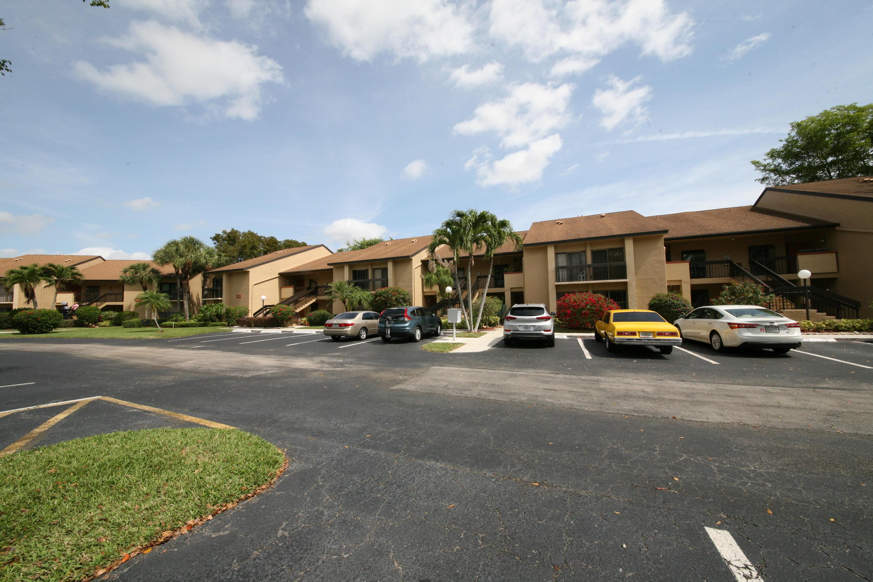 5087 Oak Hill Lane, Delray Beach, FL 33484