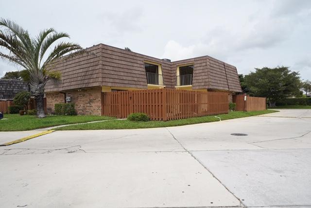 973 Springdale Circle, Palm Springs, FL 33461