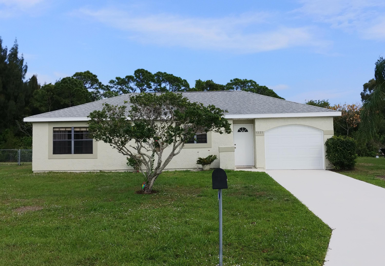 1321 Se Belcrest Street, Port Saint Lucie, FL 34952
