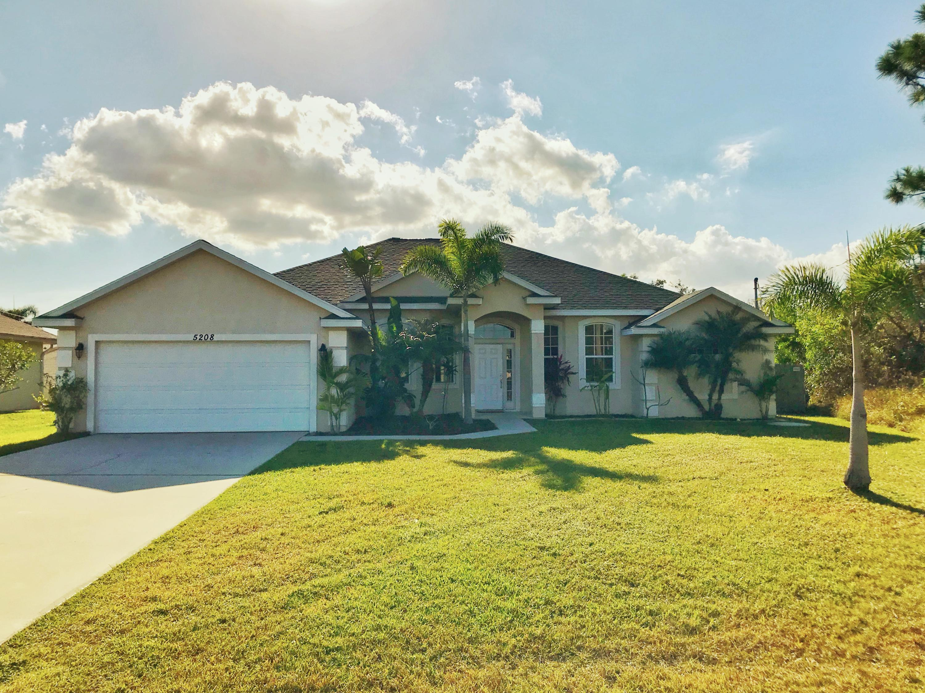 5208 Nw Lovoy S Circle, Port Saint Lucie, FL 34986
