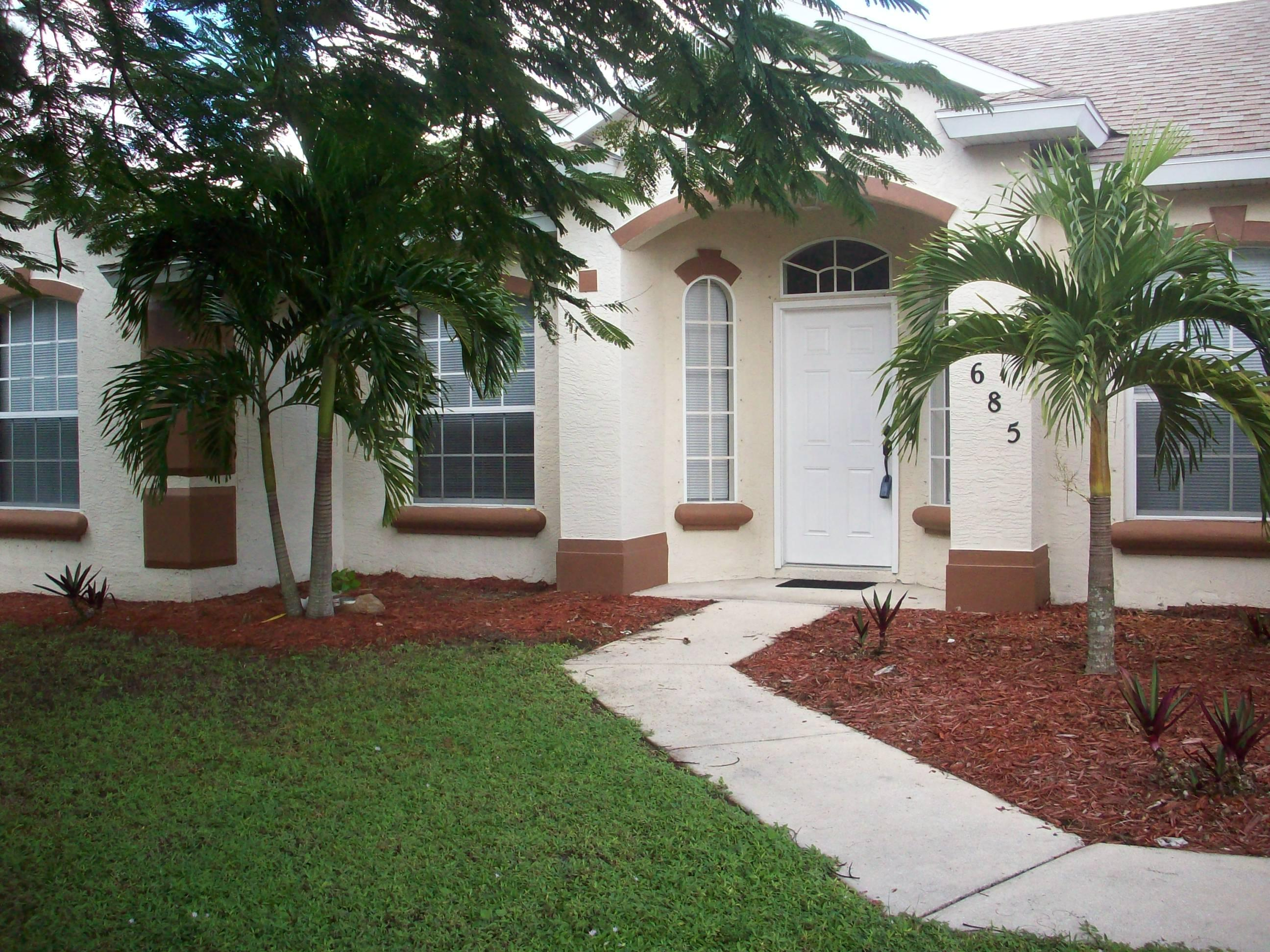 1685 Sw Starman Avenue, Port Saint Lucie, FL 34953