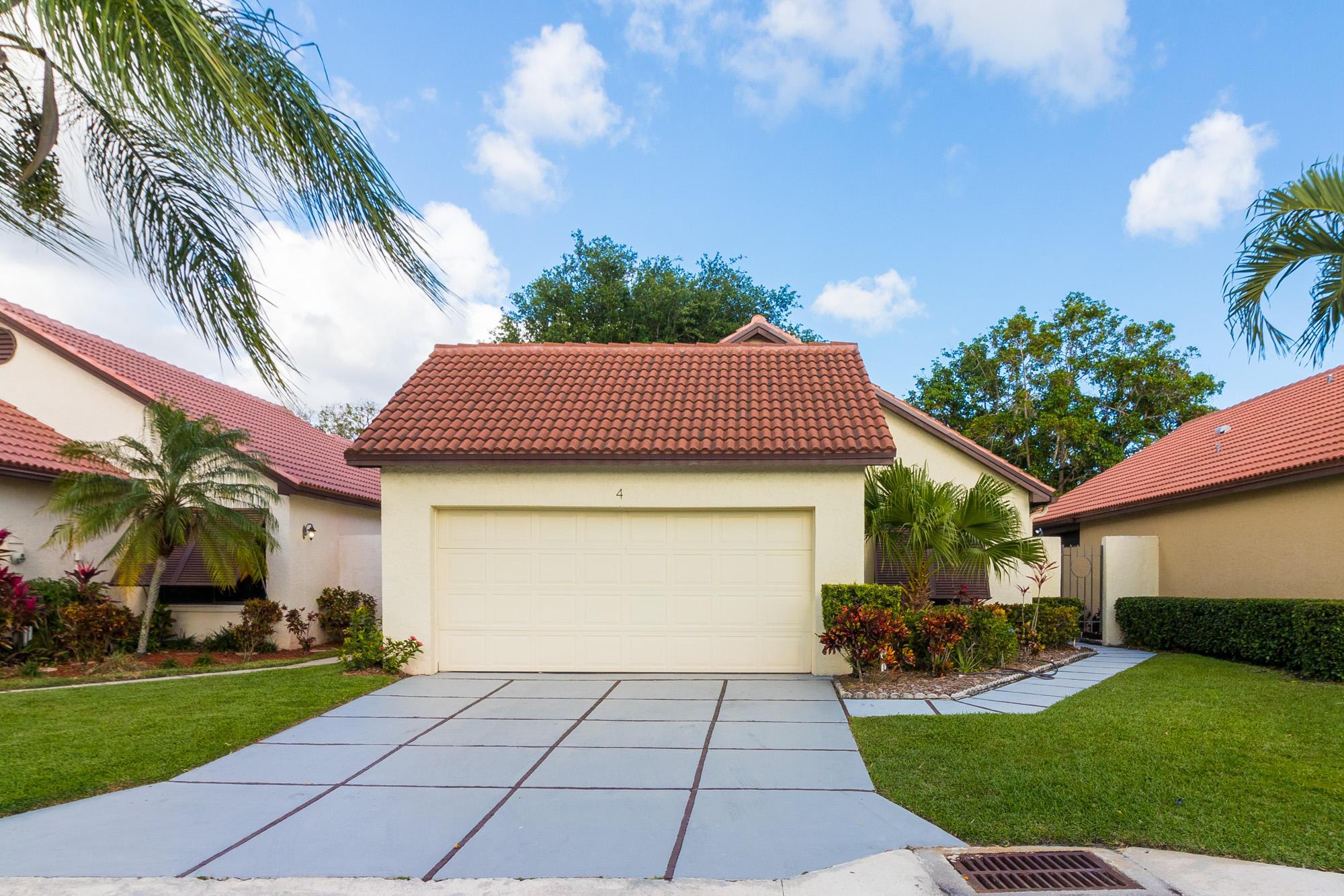4 Ironwood N Way, Palm Beach Gardens, FL 33418