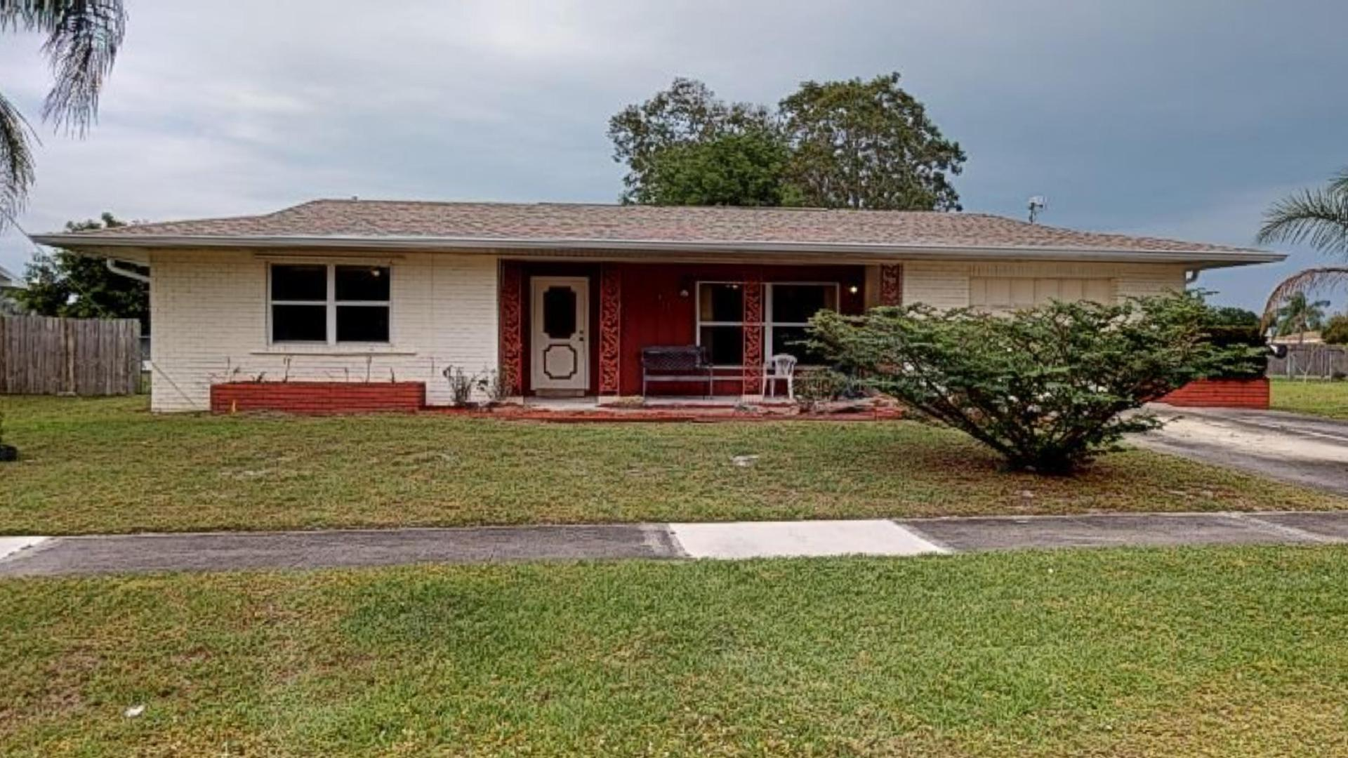 213 Sw Reynolds Avenue, Port Saint Lucie, FL 34983