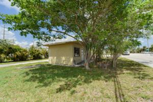 7157 S Military Trail, Lake Worth, FL 33463