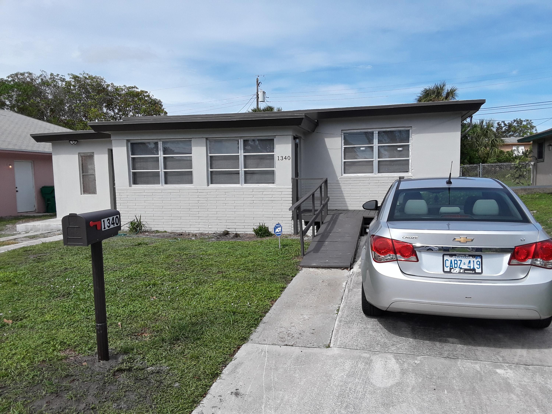 1340 W 33rd Street, Riviera Beach, FL 33404