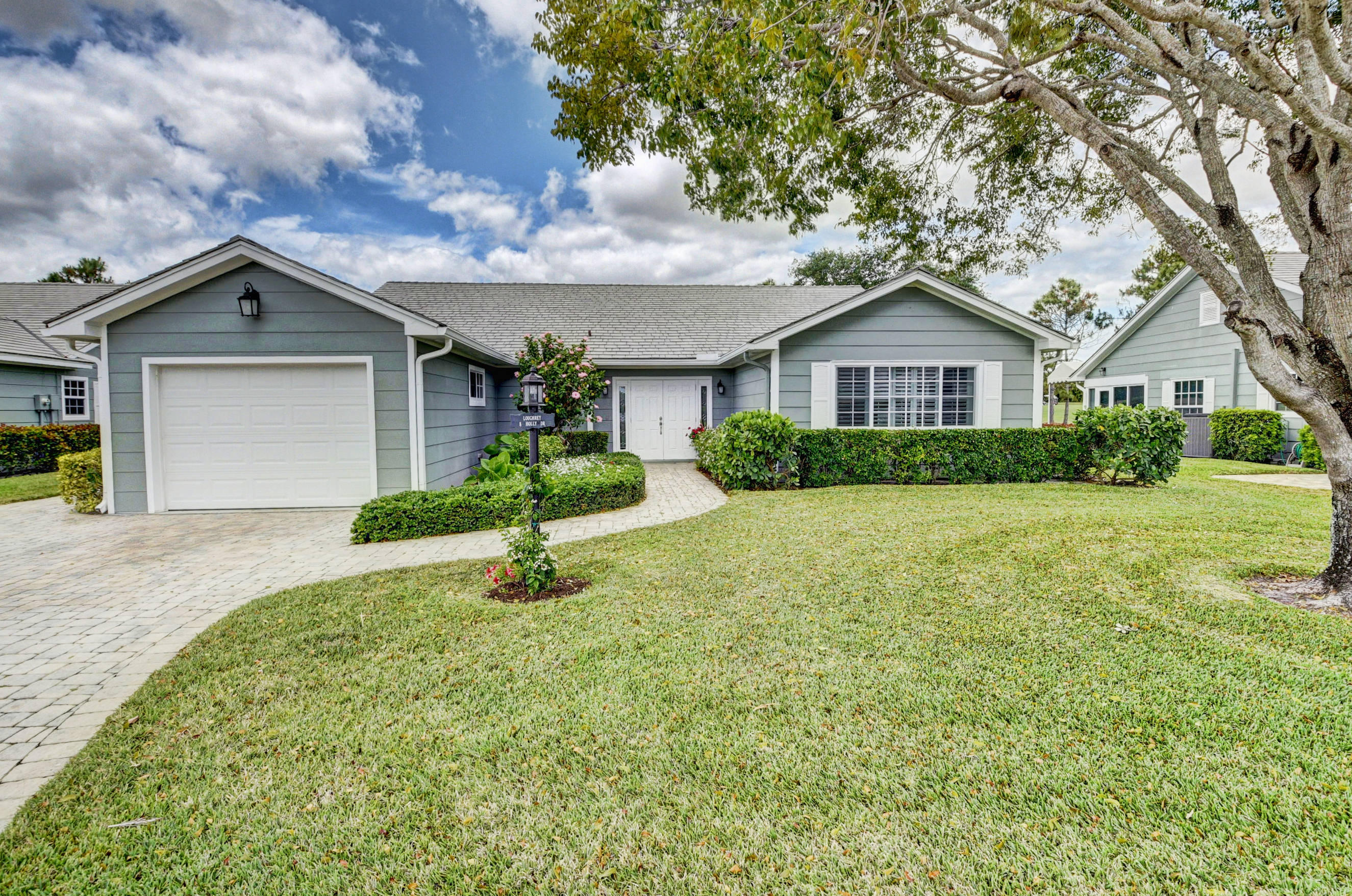 8 Holly Drive, Boynton Beach, FL 33436