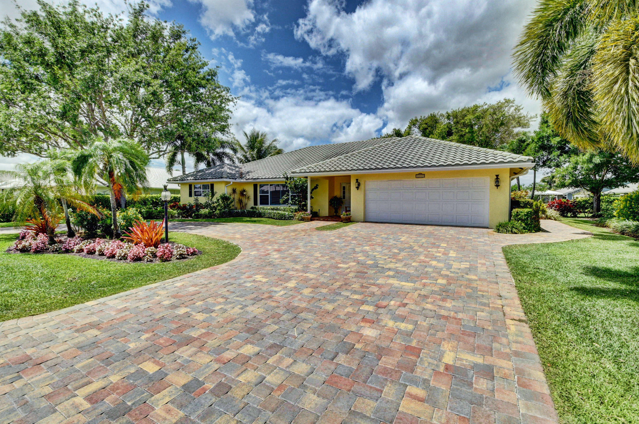 11711 N Lake Drive, Boynton Beach, FL 33436