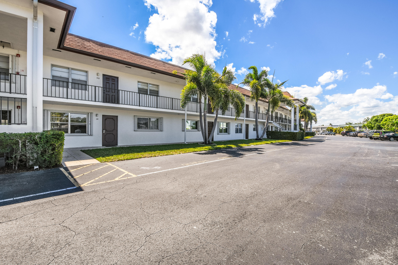 3075 Gardens East Drive, Palm Beach Gardens, FL 33410