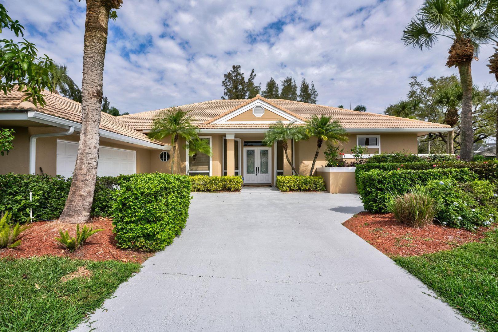 203 Thornton Drive, Palm Beach Gardens, FL 33418
