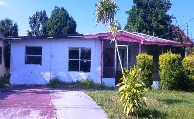 2910 Carver Street, Fort Pierce, FL 34947