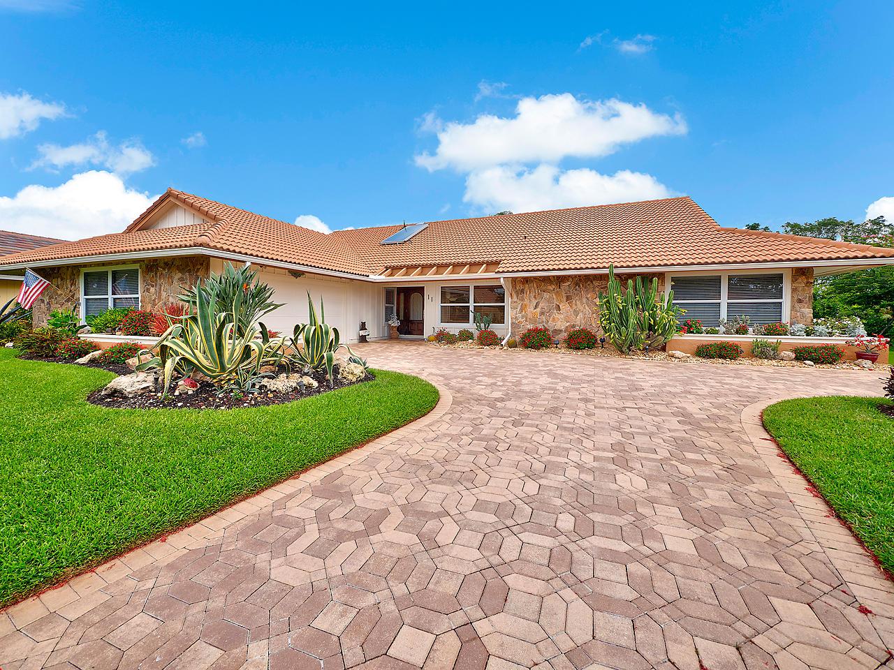 11 Thurston Drive, Palm Beach Gardens, FL 33418