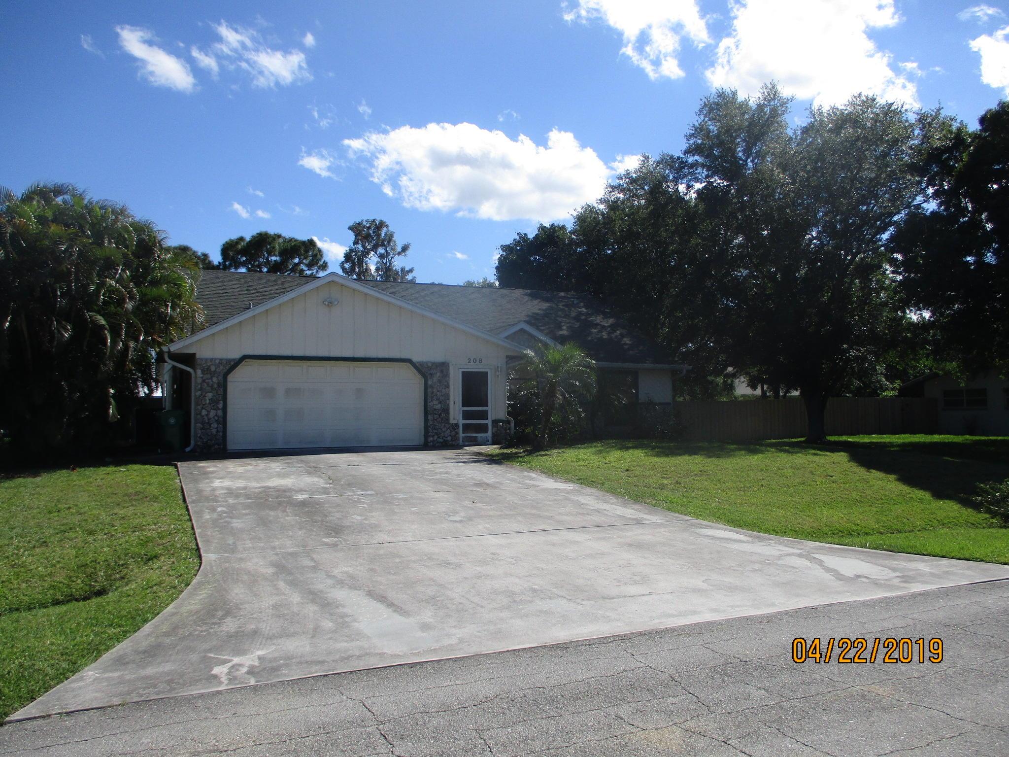 208 Sw Statler Avenue, Port Saint Lucie, FL 34984