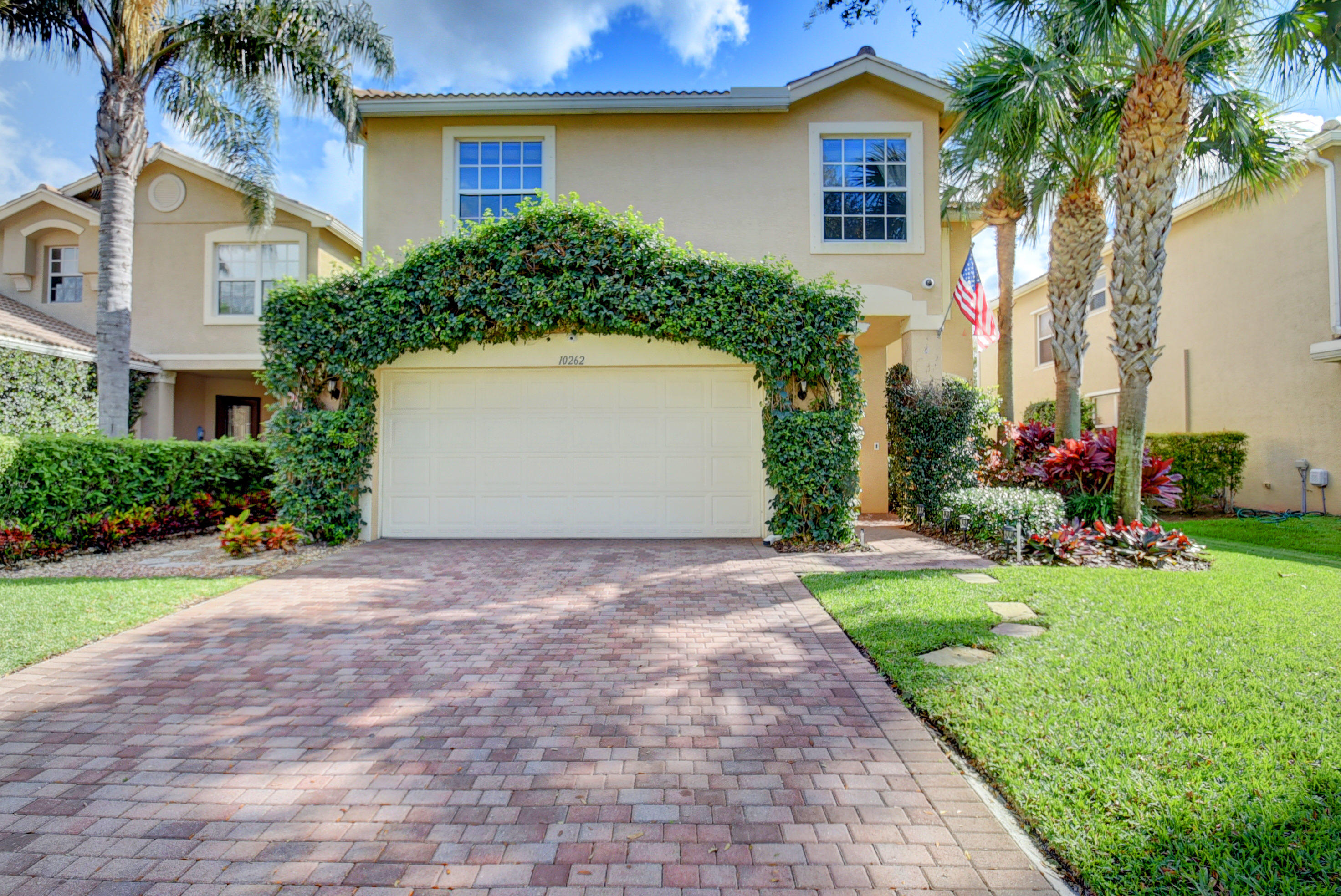10262 White Water Lily Way, Boynton Beach, FL 33437
