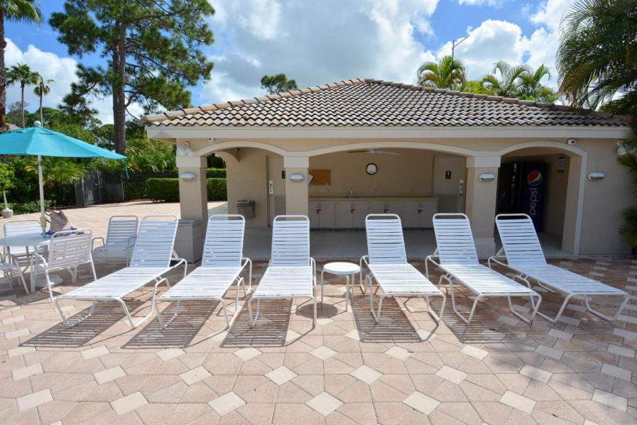 8004 Carnoustie Place, Saint Lucie West, FL 34986