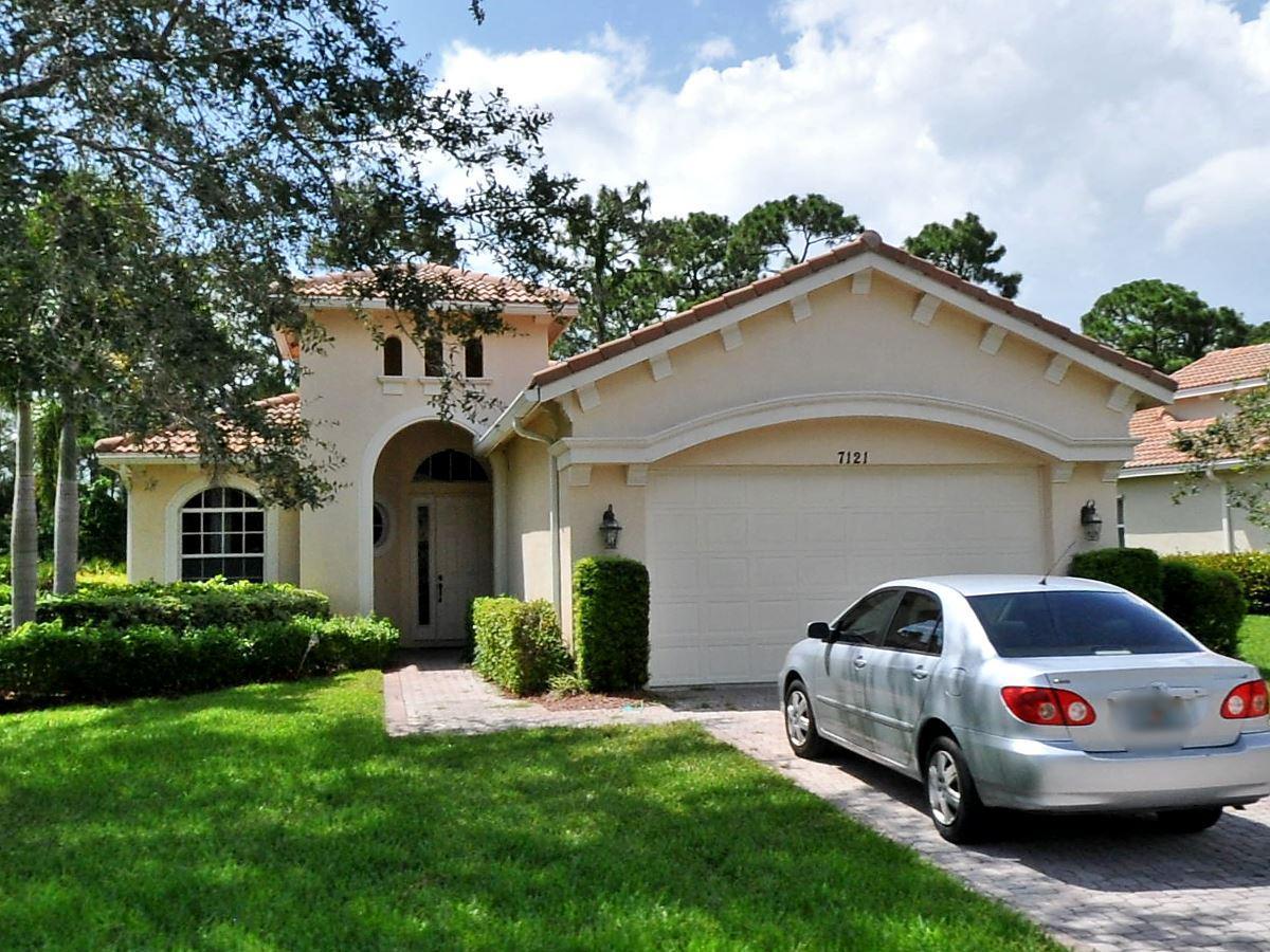 7121 Maidstone Drive, Saint Lucie West, FL 34986