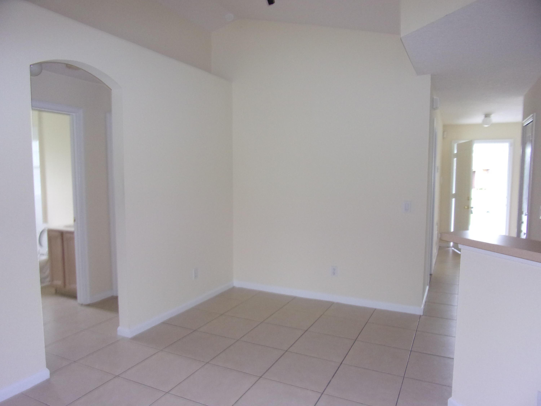 628 Nw Treemont Avenue, Port Saint Lucie, FL 34983