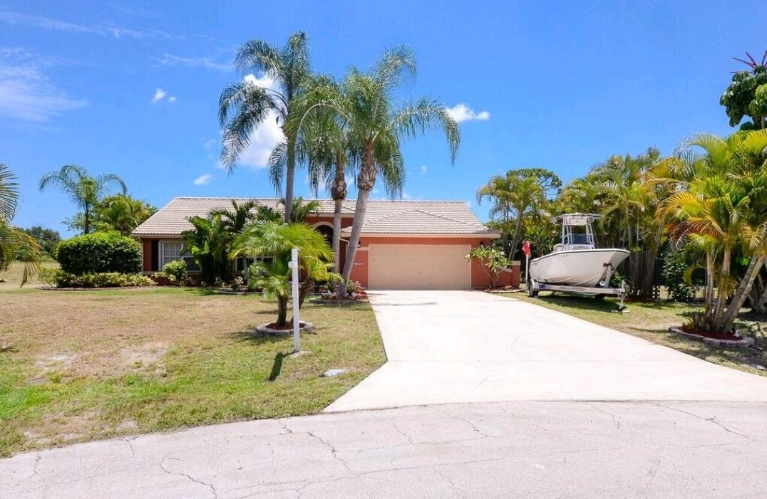 2611 Sw Saint Marys Court, Port Saint Lucie, FL 34953