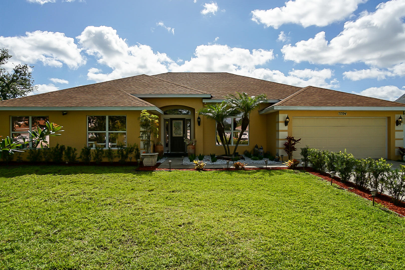 5594 Nw North Crisona Circle, Saint Lucie West, FL 34986