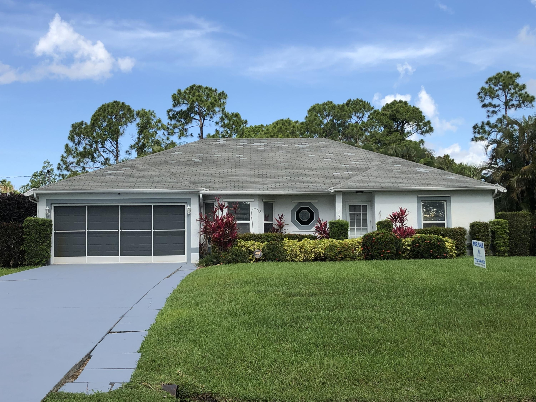 1562 Se Crown Street, Port Saint Lucie, FL 34983