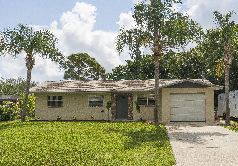 6008 Palm Drive, Fort Pierce, FL 34982